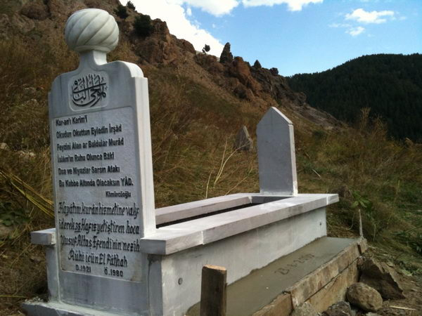 Merhum Yusuf Hoca'nın mezarı yapıldı